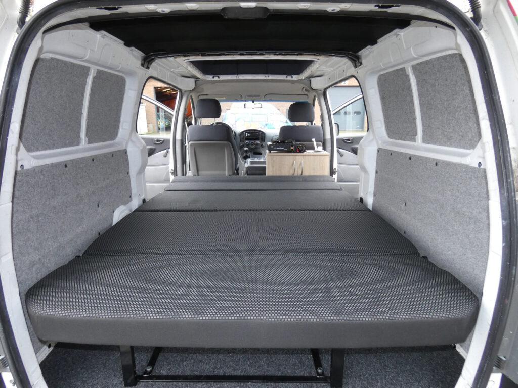 Hyundai H300 buscamper